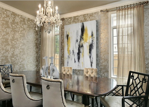 Still I Have Always Longed For A Glamorous Dining Room With Statement Chandelier Gold Touches And Chinoiserie Wallpaper