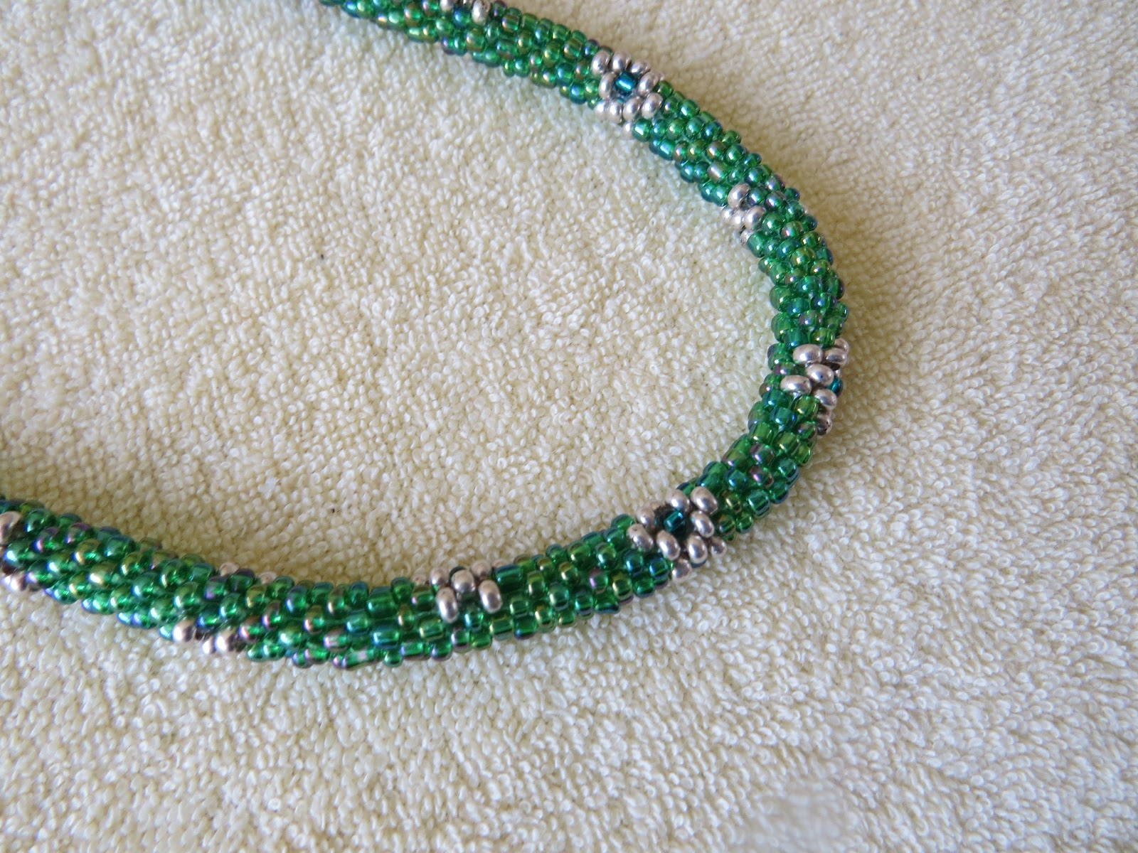 Perlenketten hakeln schlauchtechnik