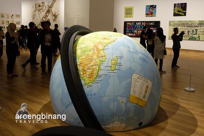 bola dunia museum macan modern and contemporary art in nusantara jakarta barat