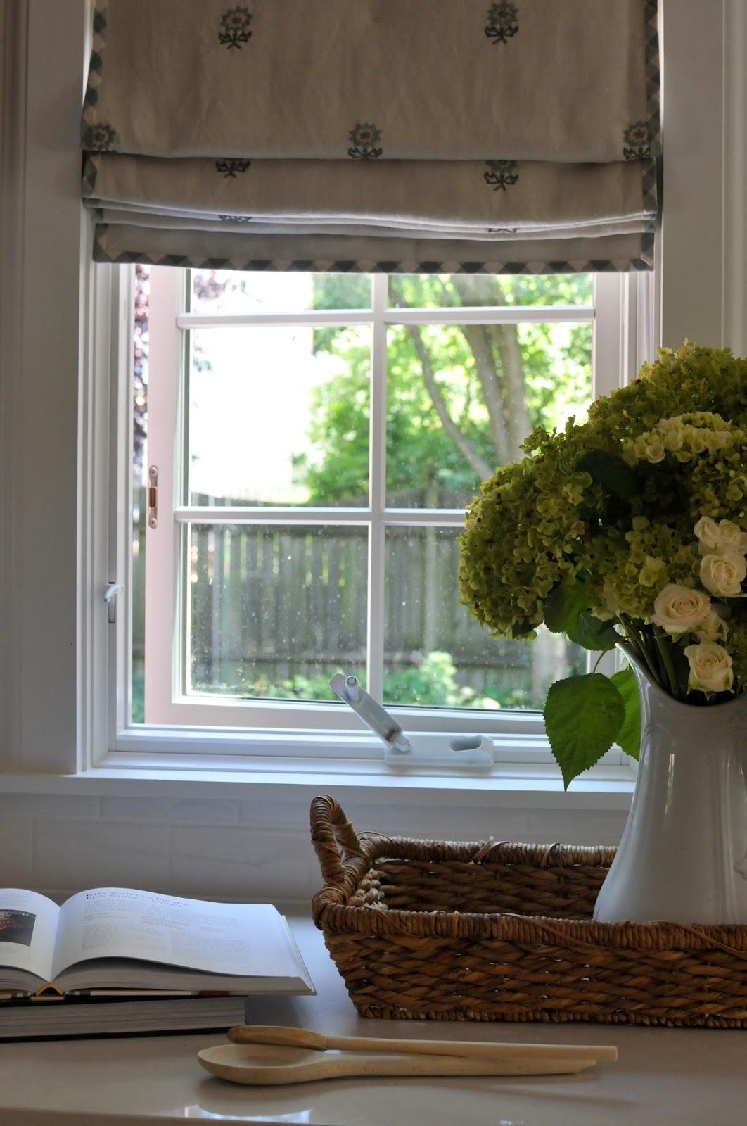 NINE + SIXTEEN: My Work || A Charming Cottage Kitchen