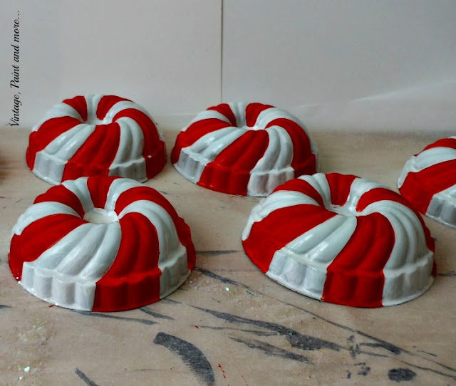 Vintage, Paint and more... vintage jello molds painted in a candy stripe pattern to make a vintage Christmas wreath
