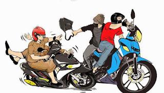 bahaya-wanita-naik-motor