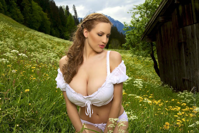 Jordan-Carver-No-Sin-On-The-Alp-photoshoot-picture-no.-19