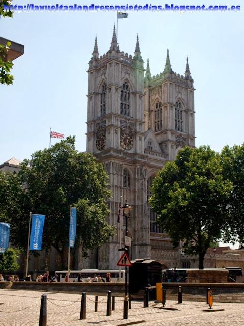Fachada principal de la Abadía de Westminster