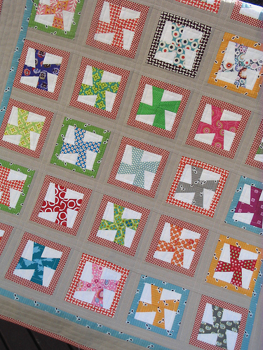 Pinwheel Quilt Block Template : Red Pepper Quilts: Mini Pinwheel Template