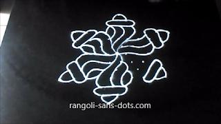 shankh-rangoli-with-dots-1211ae.jpg