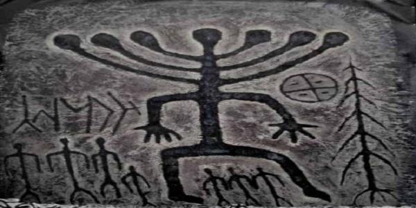 Περίεργος εξωγήινος(;) με κεφάλι σαν επτάφωτη εβραϊκή λυχνία