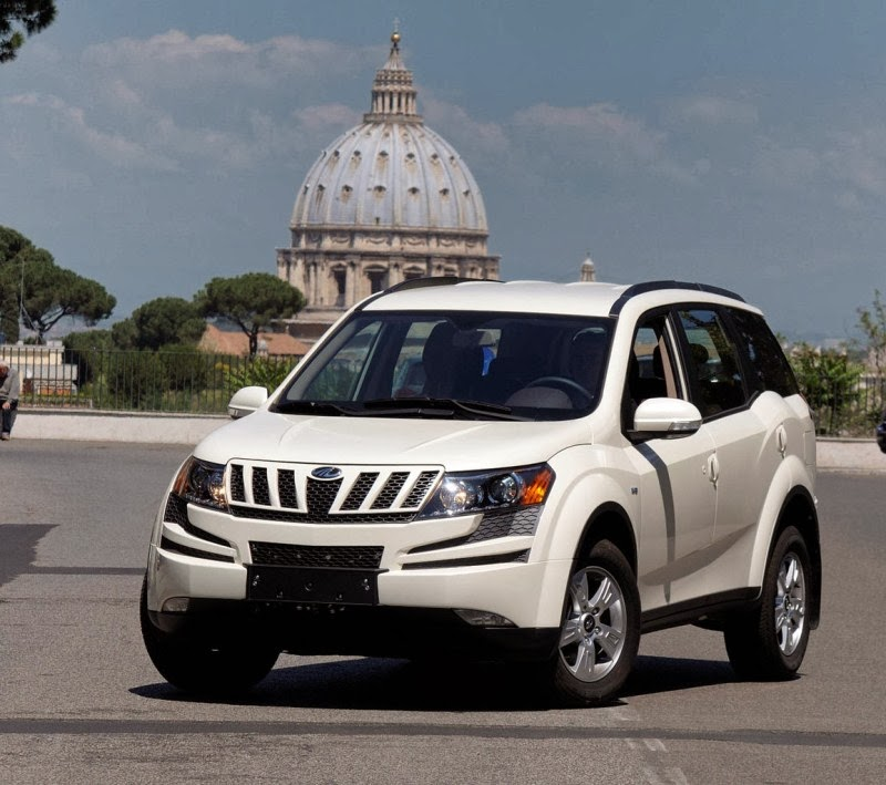 Mahindra XUV 500 Prices, Images
