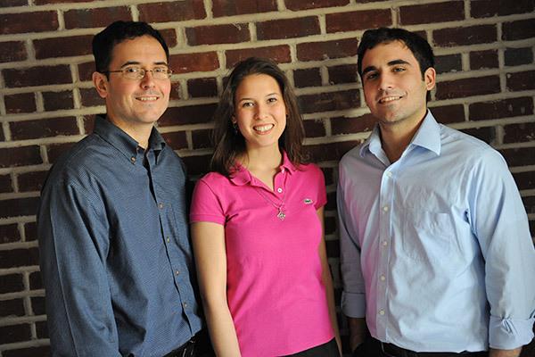 Pendiri myYearbook (meetMe) : Geoff, Dave dan Catherine Cook