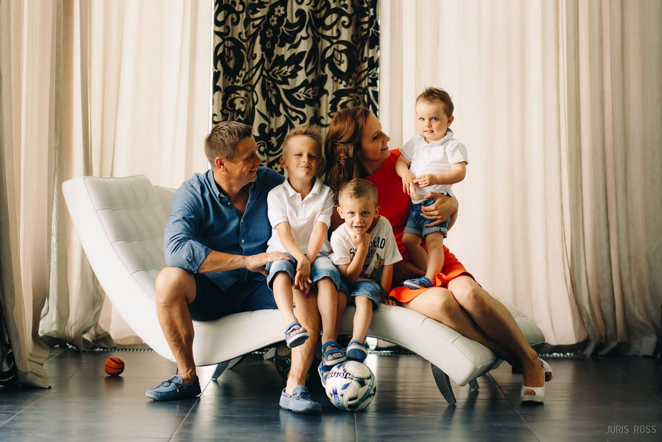 ģimenes portrets