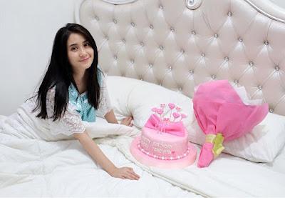 Artis FTV Ryana Dea Maharani cewek cantik ini ulang tahun