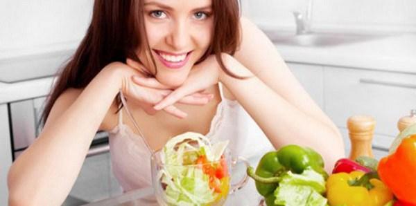 Namun diet disini yang dianjurkan adalah diet yang sehat, saat ini banyak sekali program diet sehat yang bisa Anda jalani. Salah satunya adalah dengan menggunakan labu siam.  Belum banyak orang yang tahu tentang manfaat labu siam untuk diet, meski begitu manfaat labu siam untuk diet telah dibuktikan secara ilmiah dan dipastikan kebenarannya.  Secara umum itulah kedua alasan kenapa seseorang harus diet saat mengalami obesitas, dari segi kesehatan dan kecantikan sebenarnya diet memiliki manfaat yang cukup baik untuk tubuh manusia.  Asalkan dengan menggunakan program diet yang baik, salah satunya adalah dengan memanfaatkan labu siam. Baca Juga Mengenai : Manfaat Labu Siam Untuk Ibu Menyusui Khasiat dan Manfaat Labu Siam Untuk Pertumbuhan Bayi Kenapa Harus Labu Siam?  Pada dasarnya ada banyak sekali cara diet sehat yang bisa Anda jalani, kebanyakan adalah dengan meningkatkan asupan sayuran dan buah-buahan tertentu, termasuk labu siam ini.  Ada beberapa alasan kenapa sebaiknya Anda melakukan program diet dengan memaksimalkan manfaat labu siam untuk diet itu sendiri. Berikut ulasannya.  Memiliki Banyak Manfaat  Selain manfaat labu siam untuk diet, Anda juga bisa mendapatkan manfaat labu siam untuk kesehatan. Labu siam adalah salah satu jenis sayur yang sangat efektif dalam menurunkan kolesterol, hipertensi dan bahkan mampu meringankan sakit jantung.  Jadi saat Anda berdiet menggunakan labu siam, Anda juga mendapatkan manfaat yang lainnya. Berat badan Anda akan turun dengan sehat, terhindar dari kolesterol dan hipertensi.  Efektif Menurunkan Berat Badan  Saat seseorang melakukan diet, tentu saja tujuan utamanya adalah untuk menurunkan berat badan. Itu semua bisa Anda dapatkan dengan menggunakan labu siam. Kandungan nutrisi yang terdapat di dalam labu siam sangat efektif menurunkan berat badan Anda, tanpa merusak sistem di dalam tubuh Anda.  Terbukti Manfaatnya  Alasan selanjutnya kenapa harus berdiet menggunakan labu siam adalah karena sudah banyak orang yang membuktikanny