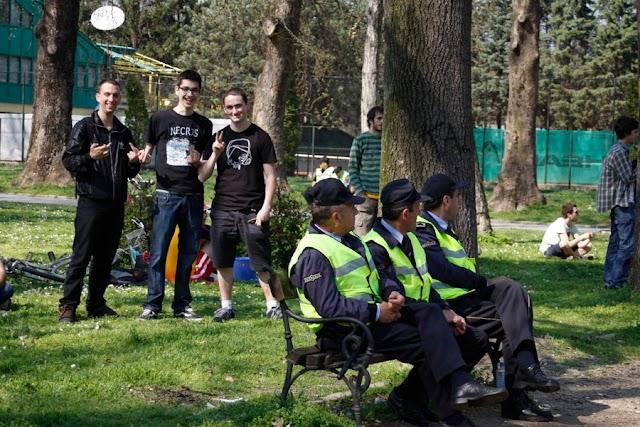 Bild des Tages - Polizisten bei der Pause
