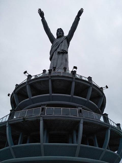 Patung Tuhan Yesus Di Burake Toraja.