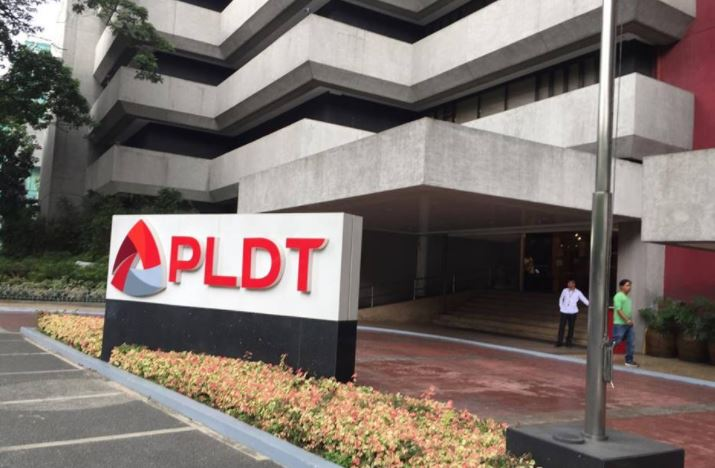 "Top 10 companies 'Pinoys aspire to work for"" 2017 PLDT"