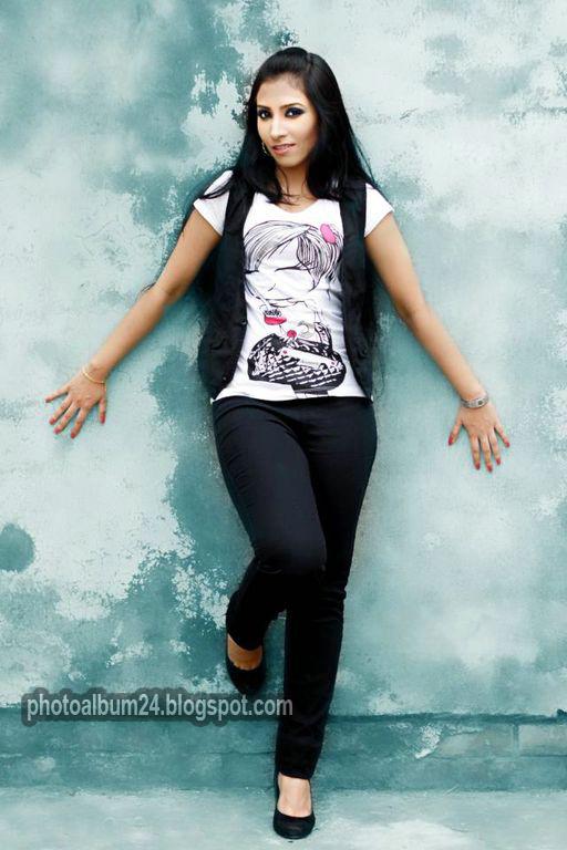 Bangladeshi Model Aara Image-2784