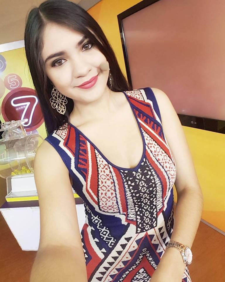 La Chica De Honduras-3587