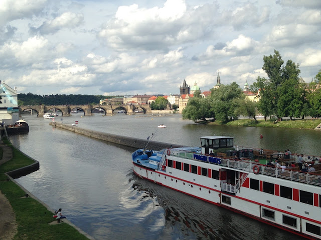 cruise in prague
