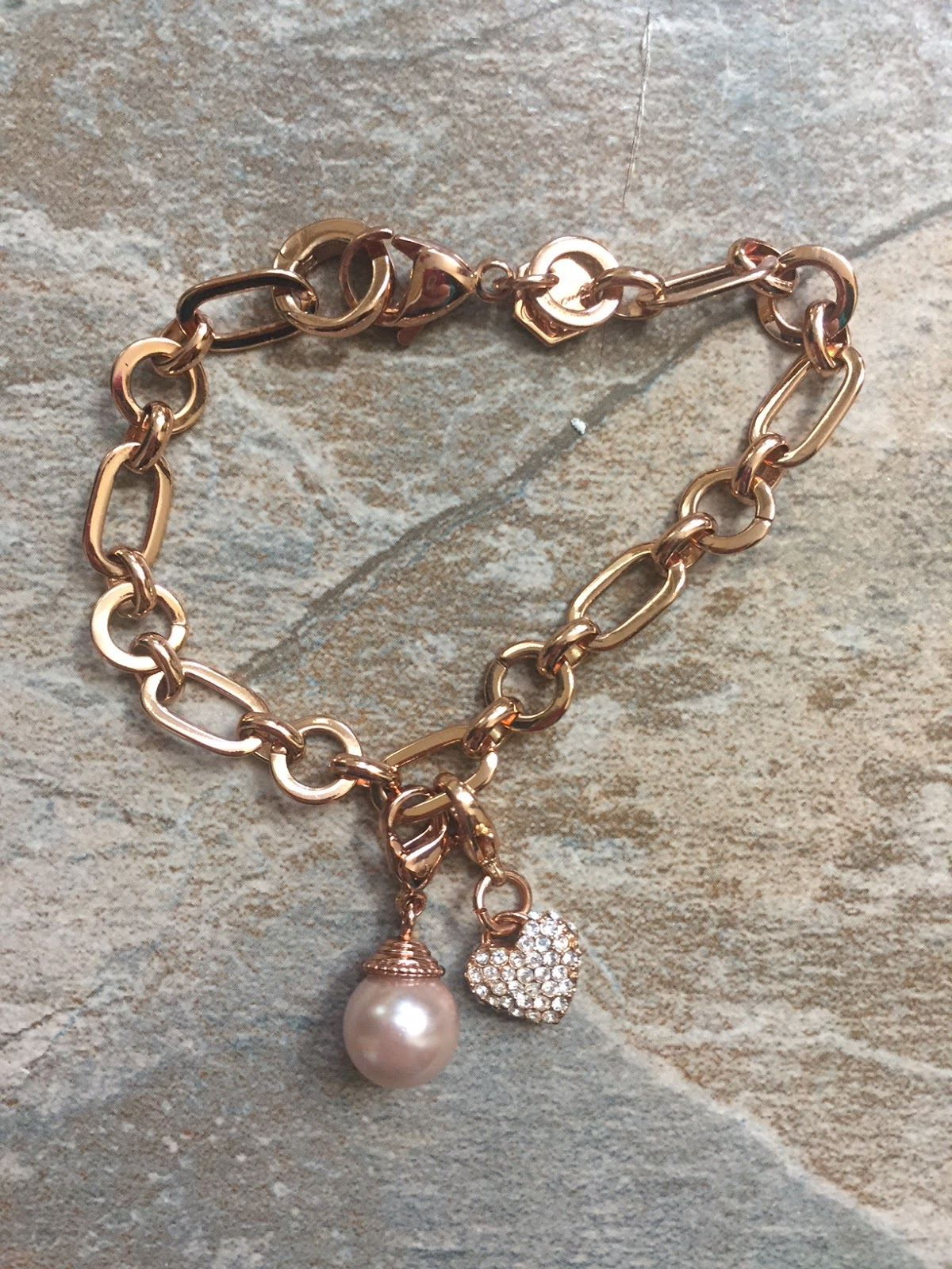 Mommys favorite things origami owl with tonya review giveaway im in love with this bracelet the chain bracelet is so simple but so elegant and classic i love the rose gold shade and i currently dont own any rose jeuxipadfo Image collections