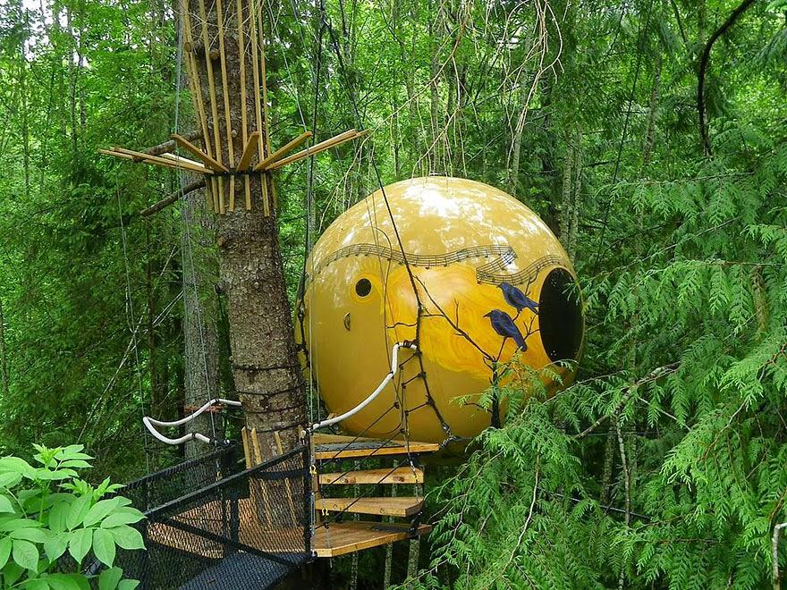 Free Spirit Spheres, Canada.