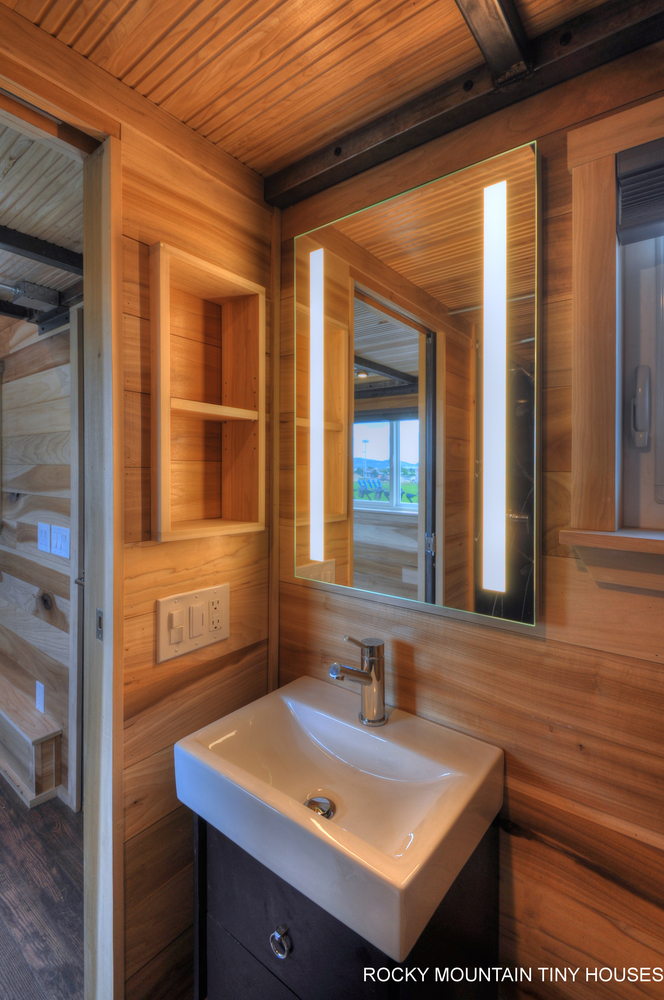 Tiny Home Designs: TINY HOUSE TOWN: The Pemberley (460 Sq Ft