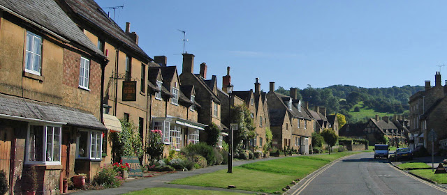 A street in the village of Broadway in the Cotswolds