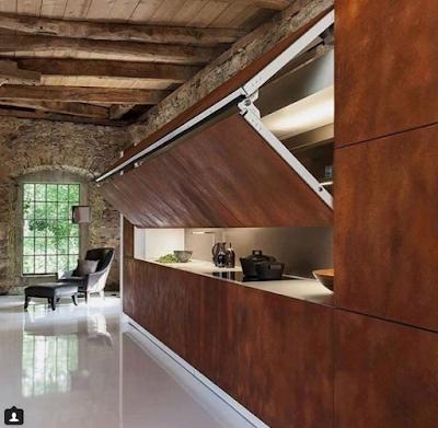 деревянный брёвна на потолке