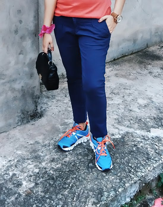 Trousers: Zara | Shoes: Reebok| Shirt: Levi's T-shirt| BAG: Zara| Watch: Tag Heuer Space | Indian fashion blogger