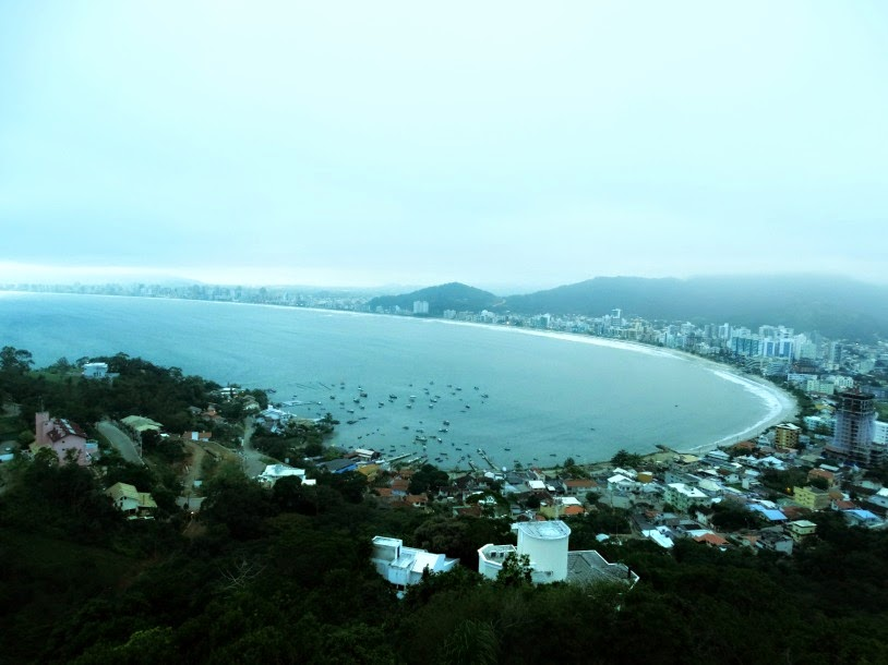 Praias de Itapema vistas do mirante.