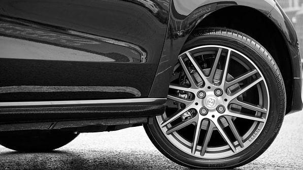 10 Merk Ban Mobil Terbaik dan Terbukti Tahan Lama
