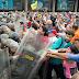 Militares toman por sorpresa marcha sorpresa de la oposición