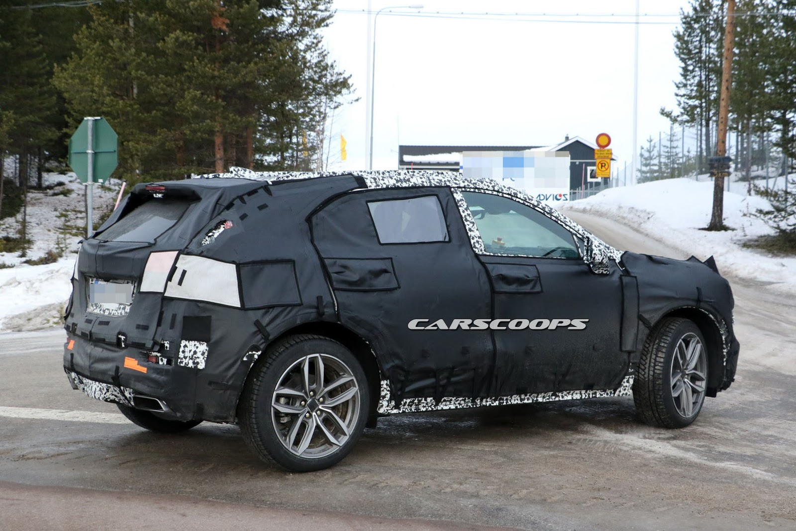 2018 cadillac xt3 compact suv spied better late than never carscoops. Black Bedroom Furniture Sets. Home Design Ideas