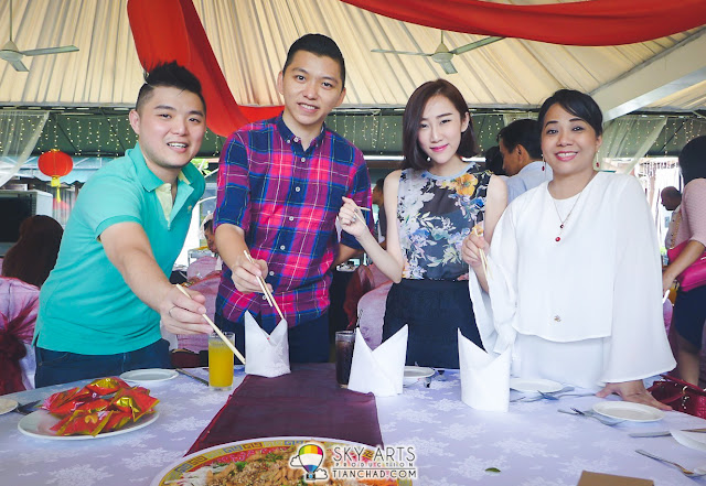 Other blogger buddies who were at PETRONAS CNY Launch are SaiMatKong, Daphne Charice and RedMummy