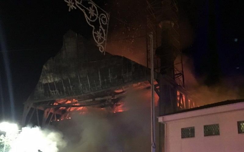 Πυρκαγιά στο Τέμενος Βαγιαζήτ στο Διδυμότειχο