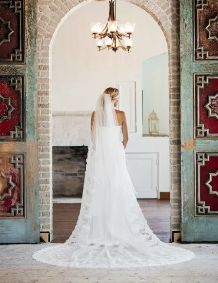 Brides of america online store the breathtaking beauty of for Miami wedding dresses stores