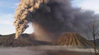 Letusan Gunung Bromo
