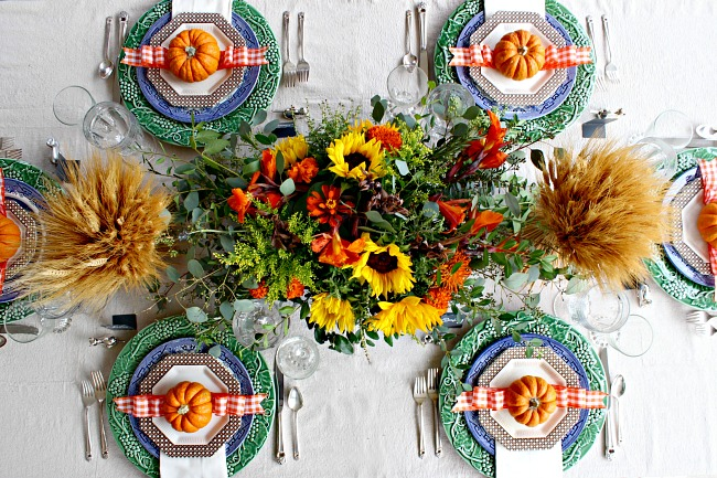Thanksgiving table setting, flower arrangement