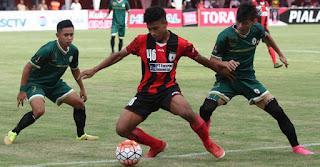 gambar Osvaldo Haay (bek kiri) Persipura Jayapura