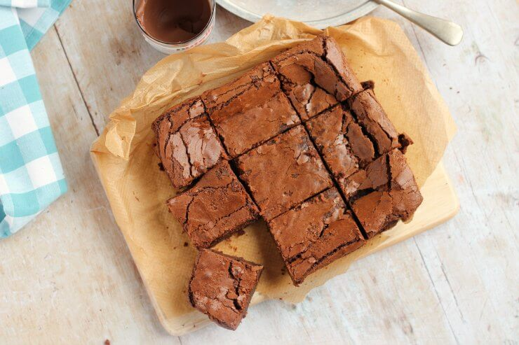Cooled Nutella brownies cut into squares
