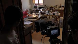 Rodando película Hekatombe en estudio pintor Ramiro Tapia