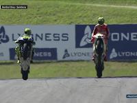Video Selebrasi Wheelie Rossi dan Iannone di GP Austria 2016