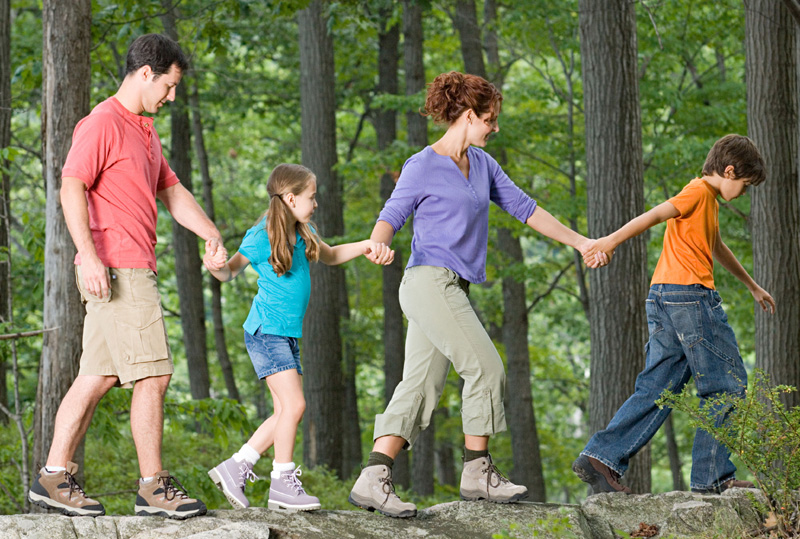 Making Family Fitness Into Your New Year's Resolution