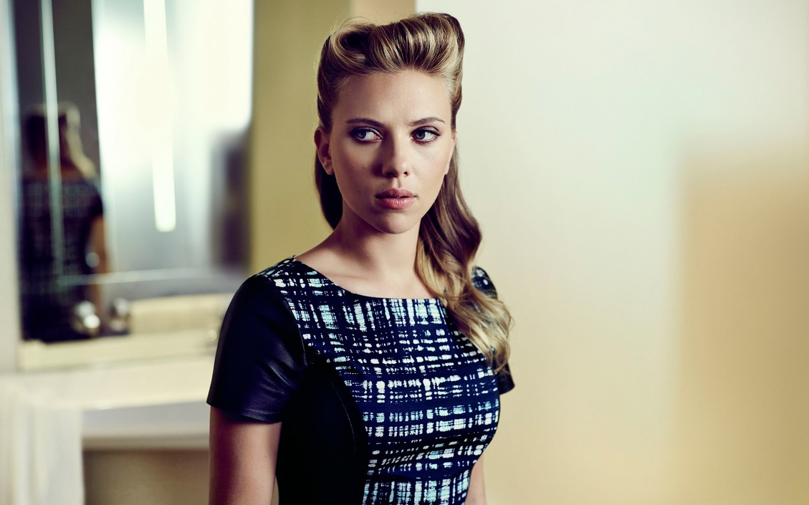 Scarlett Johansson Wallpaper: Scarlett Johansson Wallpapers
