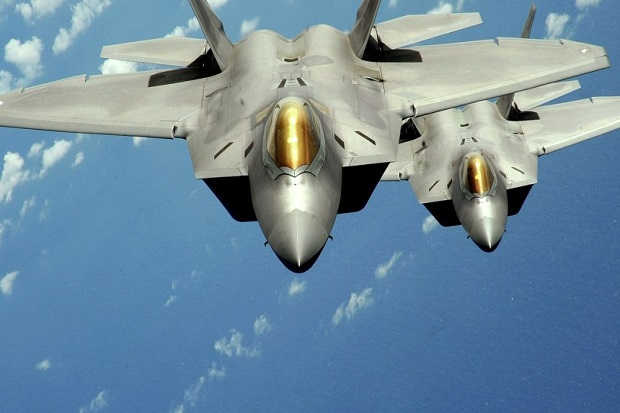 Hadapi Rusia Amerika Kirimkan Dua Jet Tempur Siluman F-22 ke Rumania.jpg