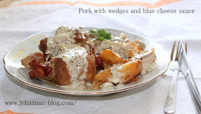 Pork with wedges and blue cheese sauce