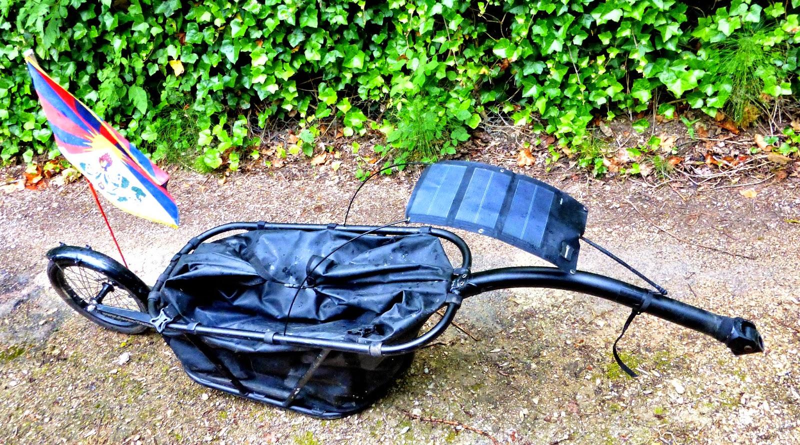 Al 39 s land le plaisir d 39 abord mat riels de voyages - Chargeur solaire decathlon ...