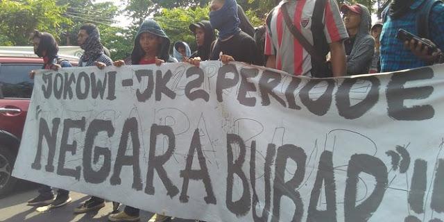 Mahasiswa UIN Makassar demo serukan musibah jika Jokowi 2 periode