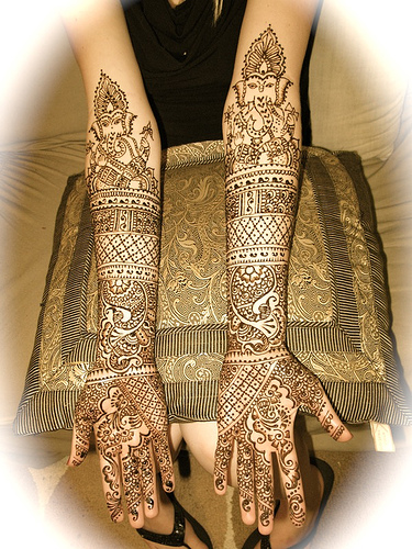 Indian Bridal Henna Designs: Moreha Tekor Akhe: Designs Of Mehndi For Hands For Bridal