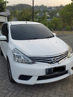 Dijual dijual Grand Livina XV Automatic 2016 Like new murahhh