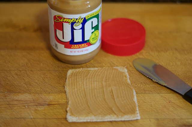 Spread the diff peanut butter over the flattened bread.